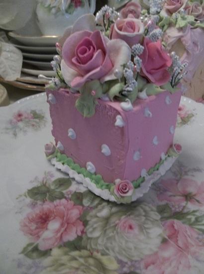 (Pistachio Patty) Fake Cake Slice