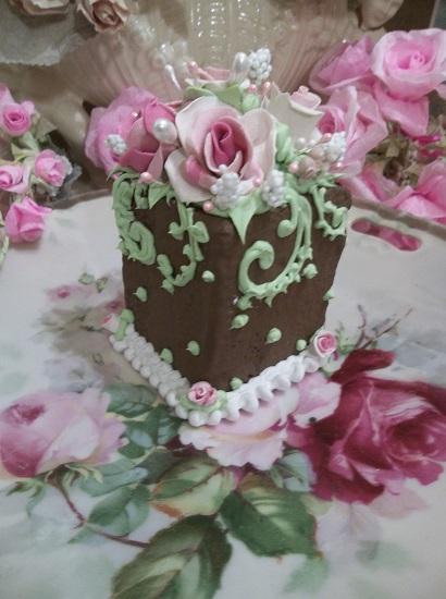 (Brenda Rosa) Fake Cake Slice