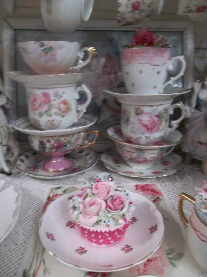 (Pink Polka Dotsie) Fake Cupcake