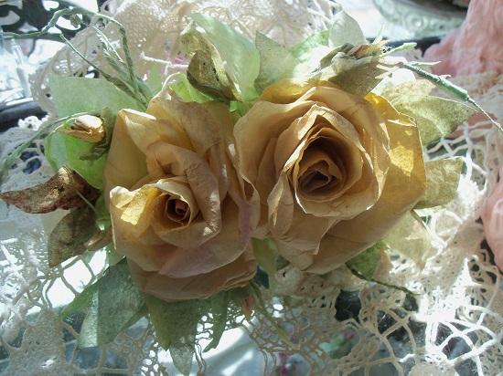 (Nola) Handmade Paper Rose Clip