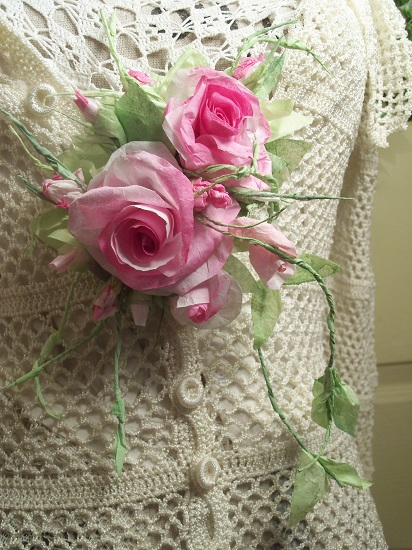 (Ivy Roses) Handmade Paper Rose Clip