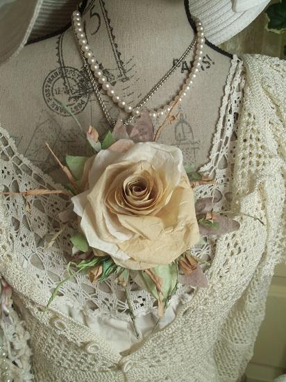 (Parchment) Handmade Paper Rose Clip
