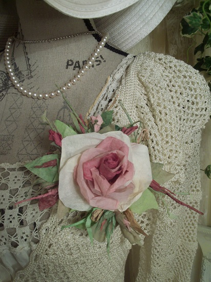 (Patricia) Handmade Paper Rose Clip
