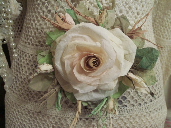 (Tory) Handmade Paper Rose Clip