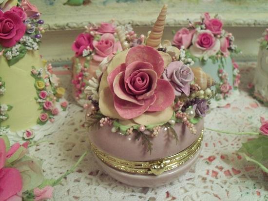 (Shellie Sea Sky) Decorated Glass Trinket Box