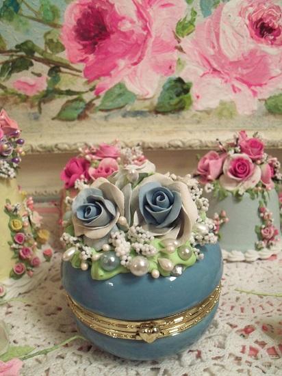 (Tiffany) Decorated Glass Trinket Box