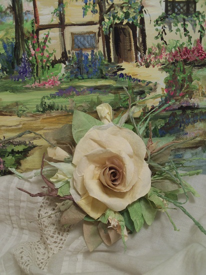 (Sandy) Handmade Paper Rose Clip