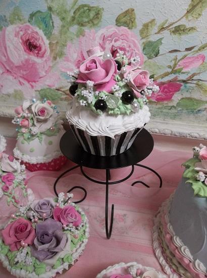 (Alice In Wonderland) Fake Cupcake
