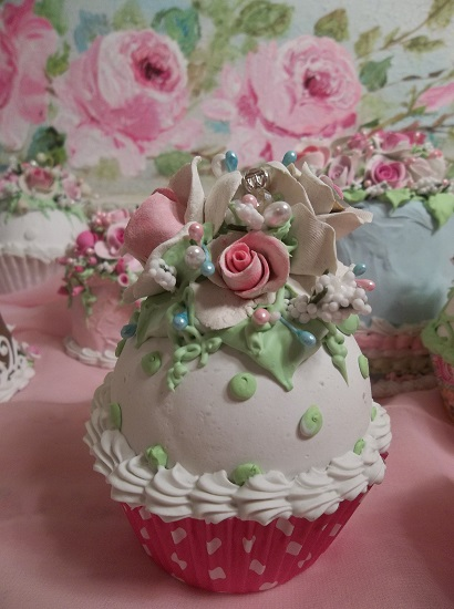 (Chrystalina) Fake Cupcake