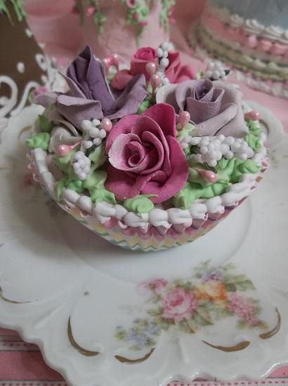 (Springtime Violets And Roses) Fake Cupcake