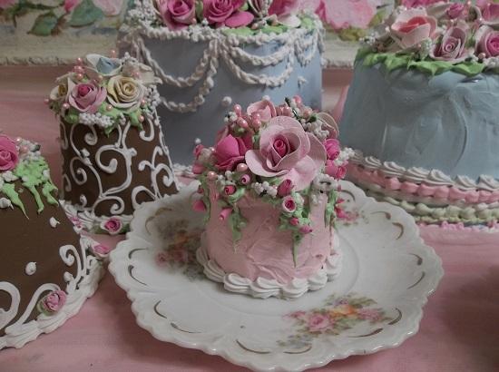 (Bliss) Funky Junk Fake Cake
