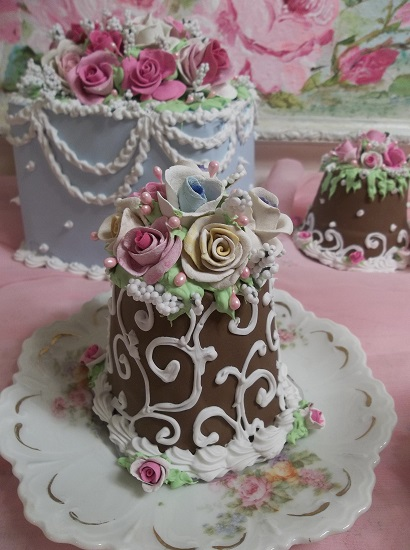 (Chocolate And Spring Flowers) Funky Junk Fake Cake