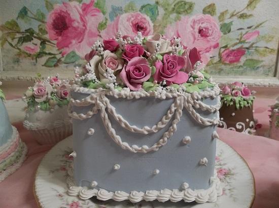 (Tiffy Wears Roses) Funky Junk Fake Cake