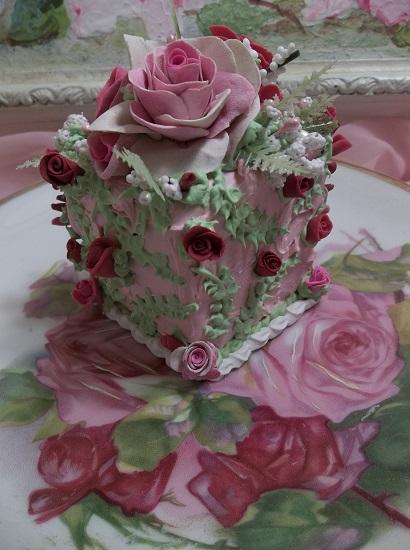 (Rosa Fern) Fake Cake Slice