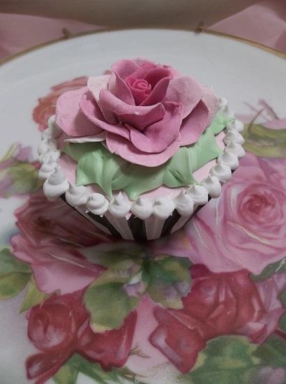 (Alice) Fake Cupcake