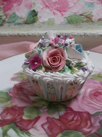 (City Girl) Fake Cupcake