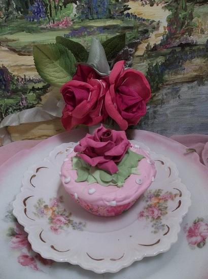 (Simple Rosa) Fake Cupcake