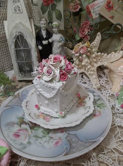 (The Bride's Cake) Fake Cake Slice