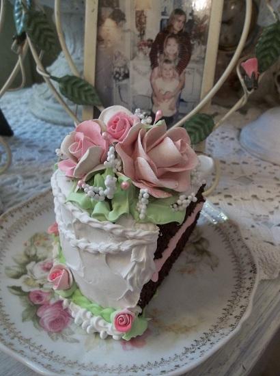 (Tammie) Fake Cake Slice