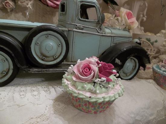 (Jaquie) Fake Cupcake