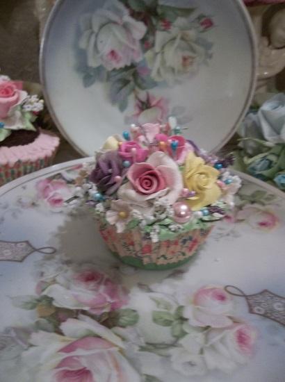 (Sheila) Fake Cupcake