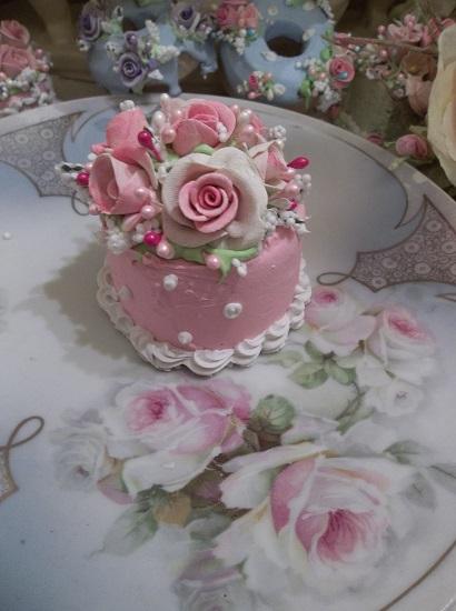 (Aliza) Funky Junk Fake Cake