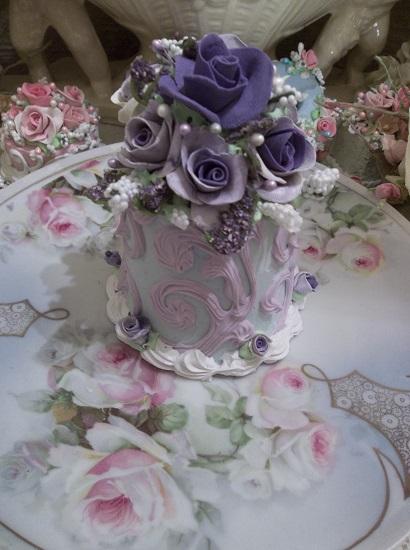 (Vintage Violet) Funky Junk Fake Cake