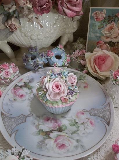 (Rhonda Renee) Fake Cupcake