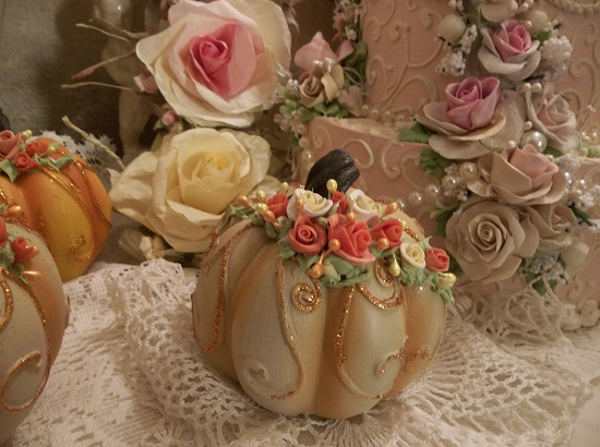 (Tabitha) Decorated Resin Pumpkin