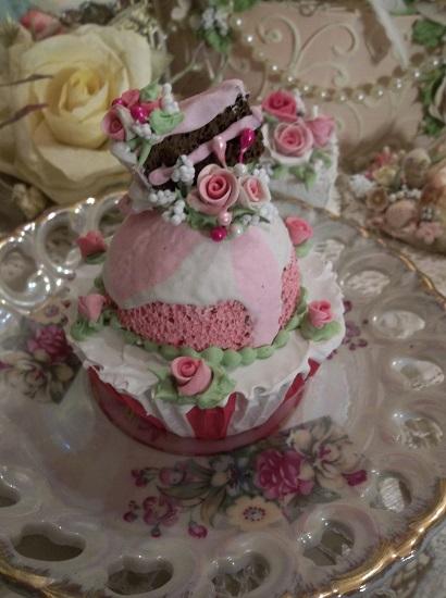 (Old Fashioned Circus) Fake Cupcake