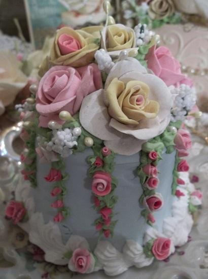 (Summer Day Dreams Under A Cool Blue Sky) Funky Junk Fake Cake