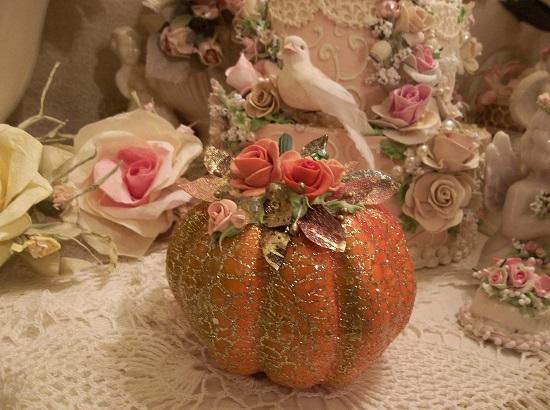 (Esmarelda) Decorated Foam Glittered Pumpkin