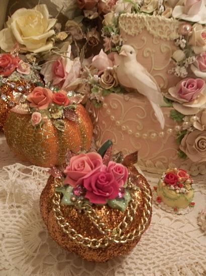 (Coco) Decorated Foam Glittered Pumpkin