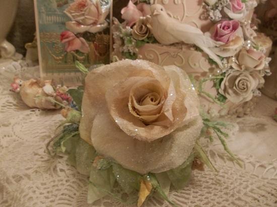 (Teri) German Glass Glittered Handmade Paper Rose Clip