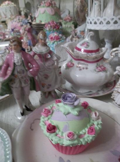 (Royal Violet) Fake Cupcake