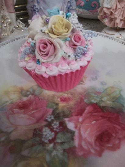 (Janice) Fake Cupcake