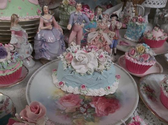 (Roses By The Ocean) Funky Junk Fake Cake