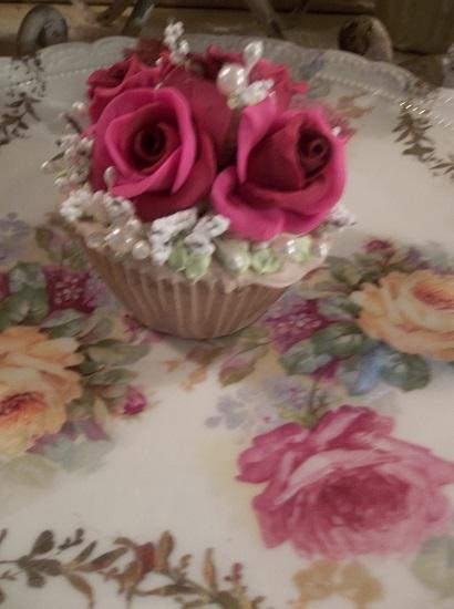 (Nola) Fake Cupcake
