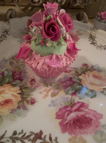 (Petals) Fake Cupcake