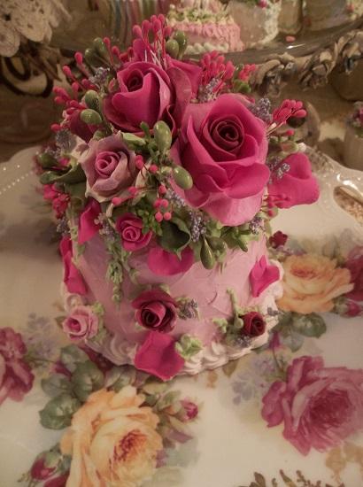 (Indian Summer Rosa) Funky Junk Fake Cake
