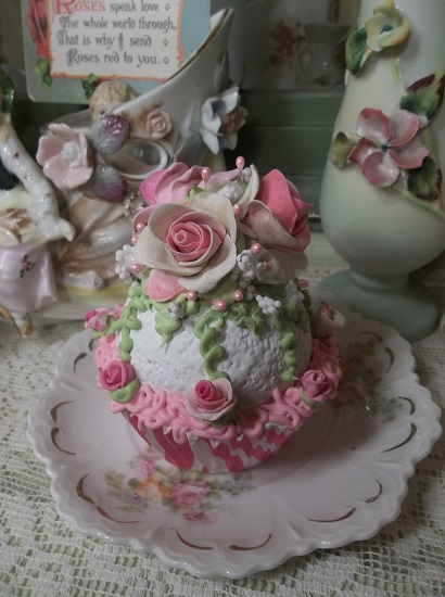 (Rosie The Zebra) Fake Cupcake