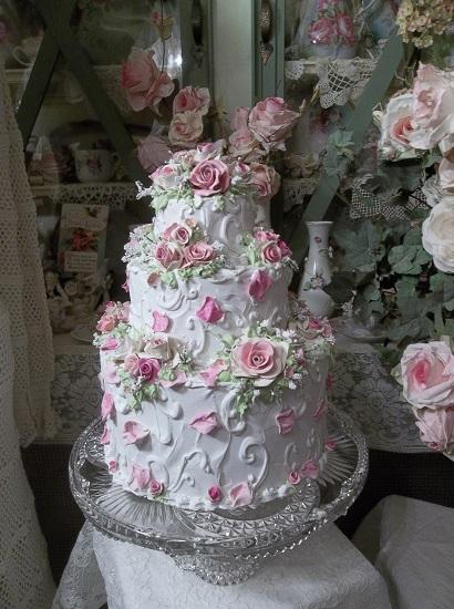 (Pink Ponderings) Fake Cake
