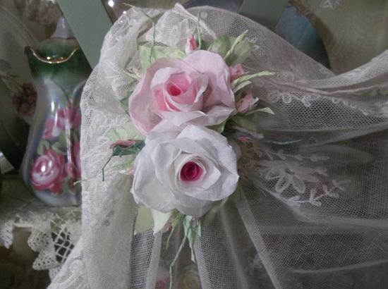 (Main Street Rosa) Handmade Paper Rose Clip