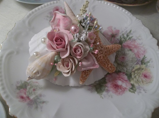 (Agatha) Decorated Seashell