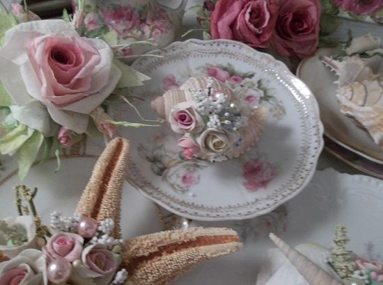(Sandra) Decorated Seashell