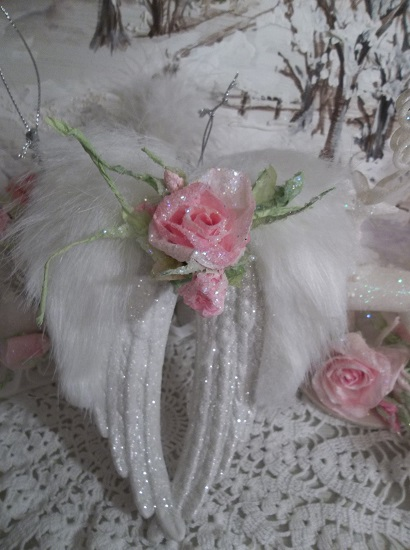 (Gabbie) Angel Wings Ornament With Glittered Paper Roses
