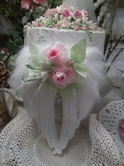 (Bella) Angel Wings Ornament With Glittered Paper Roses