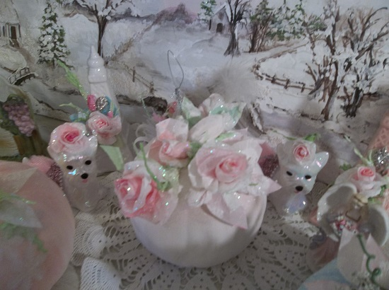 (Bella Snow Rosa Pumpkin) Decorated Glittered Fake Pumpkin