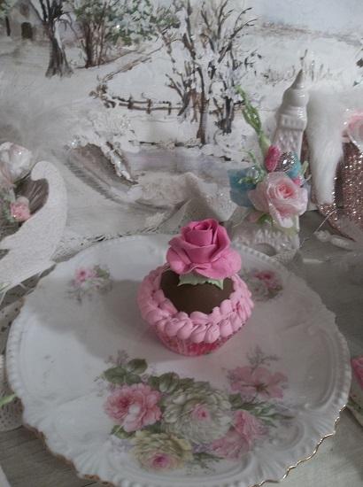 (Hello Dolly) Fake Cupcake