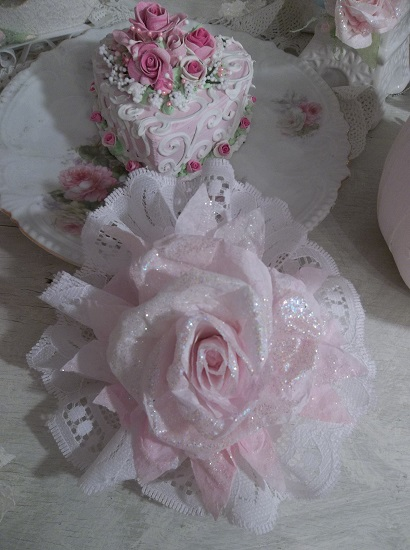 (Noella) Lace And Rose Christmas/ Valentine Decor